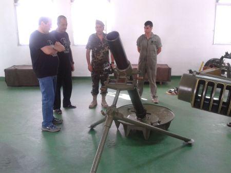 066 Día 27/08/2.013 Mortero de 120 mm, con Carlos Boix, experto en el mismo.