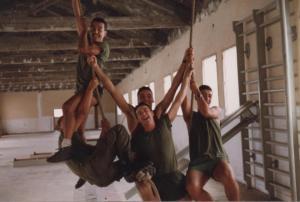 En el gimnasio del cuartel